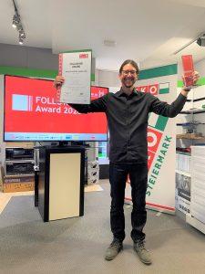 Emanuel Reindl, seit April Geschäftsführer von Elektro Ertl im steirischen Feldbach, darf sich über den Gewinn des Follow me Awards 2020 – und die damit einhergehende positive Außenwirkung – freuen.
