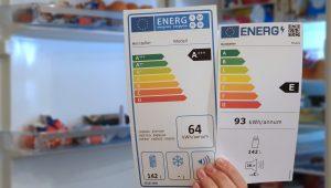 Ab 1. März 2021 gilt ein neues Energielabel für viele große Hausgeräte. Wir erklären warum die Änderung notwendig wurde, was genau geändert wird, mit welchen Herausforderungen man rechnen muss und was die Hersteller großer Hausgeräte davon halten. (Bild: Verbraucherzentrale nrw)