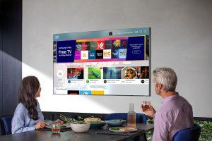 Mit dem Upgrade auf Smasung TV Plus erhalten die Nutzer Zugang zu beliebten News-, Sport- und Entertainment-Programmen.