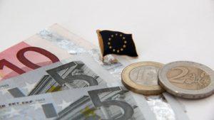 Eine zentrale Forderung von WKÖ Sparte Handel und Handelsverband wurde nun erfüllt. Die EU wird die Beihilferahmen nämlich massiv ausweiten, wie angekündigt wurde. (Bild: Lupo/ pixelio.de)