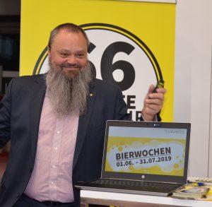 Der langjährige Elektrofachhändler Horst Neuböck verabschiedet sich aus dem Elektrofachhandel. Er übergab sein Geschäft in Ebensee an seinen Bruder Günther Neuböck. (Foto: S. Bruckbauer)