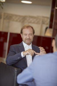"""UBIT-Fachverbandsobmann Alfred Harl fordert mehr Investitionen in die IT-Sicherheit und die IT-Infrastruktur der Unternehmen: """"Die Coronavirus-Pandemie hat brutal gezeigt, wo noch Aufholbedarf herrscht. Gerade jetzt muss investiert werden: in Sicherheit, in Infrastruktur und in Expertise."""