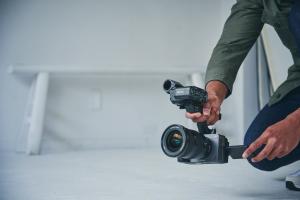 Für die Arbeit in kleinen Teams oder solo hat die Sony die Cinema Line FX3 präsentiert.