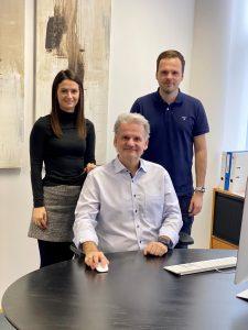 Christian Bairhuber hat Energy3000 solar gegründet und führt das Unternehmen. Mittelfristig sollen Tochter Anna und Sohn Michael die Geschicke des Familienbetriebs übernehmen.