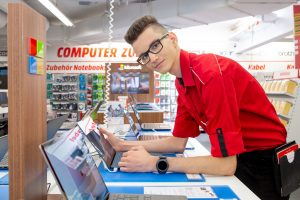 MediaMarkt sucht in Österreich noch rund 150 Lehrlinge. Interessierte können ihre Bewerbungsunterlagen noch bis Ende Mai 2021 online unter in einem der MediaMärkte einreichen.