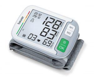 Beurer stellt sein neues Handgelenk-Blutdruckmessgerät BC 51 vor. Dieses sorge mit innovativen Funktionen für eine präzise Messung, wie das Ulmer Unternehmen beschreibt.