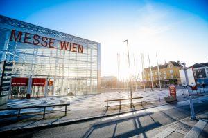 """Das Messedoppel """"Wohnen & Interieur"""" und """"Wiener Immobilien Messe"""" präsentieren sich dieses Jahr doch nur rein digital. Die Präsenzveranstaltung musste abgesagt werden. (Foto: Reed Exhibitions)"""