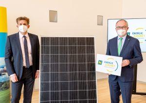 LHStv. Stephan Pernkopf (re.) und EVN-Vorstandsdirektor Franz Mittermayer gaben in St. Pölten die Gründung der Energie Zukunft Niederösterreich GmbH. bekannt.