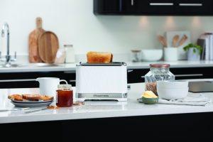Russell Hobbs präsentiert die Structure Frühstücksserie bestehend aus Wasserkocher und Toaster.