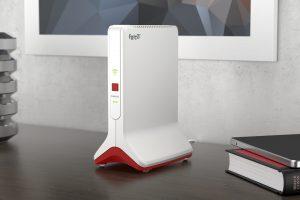 Der neue FRITZ!Repeater 6000 vereint Triband Wi-Fi 6 mit intelligenter Mesh-Technologie und sorgt auch bei schwierigen Gegebenheiten für optimale WLAN-Versorgung.