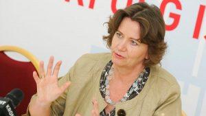 """Laut Spartenobfrau Scheichelbauer-Schuster offenbart die Krise """"zwei Gesichter"""": Konsumnahe Branchen sind tief im Minus, investitionsgüternahe Branchen stabil."""