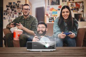 Dank Google-zertifiziertem Android TV bietet der BenQ TK700STi Zugriff auf eine große Content-Auswahl. Spiele, Filme, Serien, Urlaubsbilder und Musik lassen sich auf einer riesigen Bildfläche von bis zu 200 Zoll genießen.