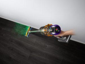 Das neue Dyson Flaggschiff, der V15 Detect, verfügt in der Bodendüse über die erste Lasertechnologie von Dyson, um verborgenen Staub zu entdecken. (alle Bilder: Dyson)
