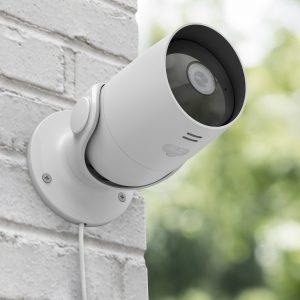 Mit smarten Überwachungskameras bedient Hama das steigende Bedürfnis nach Sicherheit – gerade jetzt zur Urlaubszeit.