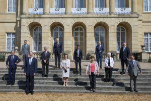 Die Finanzminsiter der G7-Staaten beim obligaten Gruppenfoto zum Gipfel in London.