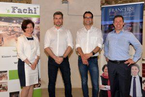 Nina und Thomas Ollinger mit den beiden Vortragenden des Abends Christian Hammer und Markus Bauer, Gründer des Franchise-Systems `s Fachl.