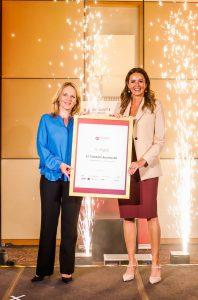 Für A1 nahmen CCOC Natascha Kantauer-Gansch und Elke Schaffer, A1 Director Customer Service & Sales, die Auszeichnung entgegen.