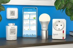 AVM bietet ein kleines, aber feines Produktsortiment für das Smart Home – zu den Highlights zählt der smarte Vierfach-Taster Fritz!DECT 440 (links oben).