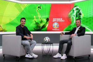 Krone.at Sportchef Michael Fally und Fußball-Ikone Lothar Matthäus im Krone Sportstudio.