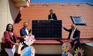 LH Hans Peter Doskozil, LH-Stv.in Astrid Eisenkopf und Infrastrukturlandesrat Heinrich Dorner gaben gemeinsam mit EB-Vorstand Stephan Sharma den offiziellen Startschuss für die PV-Bürgerbeteiligungsinitiative von Land und Energie Burgenland.