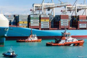 Ein Mega Containerschiffstau sorgt für weitere Probleme im weltweiten Güterverkehr. (Bild: Horst Schröder/ pixelio.de)