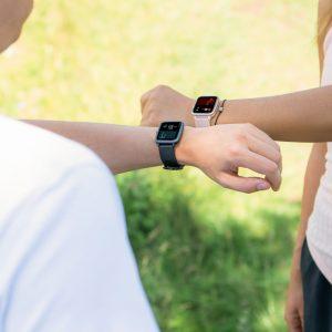 """""""Fit Watch 5910"""" von Hama: eine wasserdichte Fitnessuhr mit integriertem GPS und vielen aufschlussreichen Features über die körperlichen Aktivitäten."""