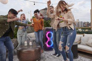 Die neuen Bluetooth-Lautsprecher von Harman sollen für das Partyerlebnis für zuhause sorgen.
