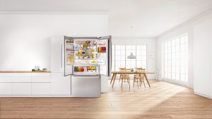 Ein enormes Platzangebot mit flexibler Innenraumnutzung sowie ein exklusives  Design bestimmen die neue Frech Door-Kühlschränke von Bosch.