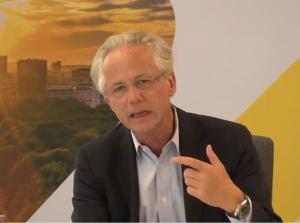 Georg Kapsch, CEO Kapsch-TrafficCom, will durch digitale Verkehrslenkung den Stau in Städten reduzieren.